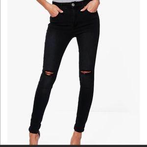 NWOT Boohoo Destroyed Black Skinny Legging Jeans